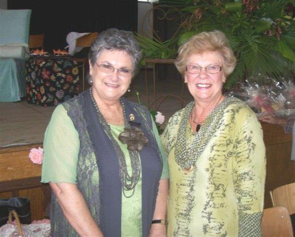 Sirkelpresident  Hermien van Zyl en Raadsame Nicolette Guthrie Botha, burgemeester van Overstrand.