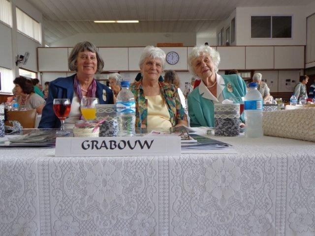 Die afgevaardigdes van Grabouw: Liz Walker, Marie Luden en Daphne Sutherland.