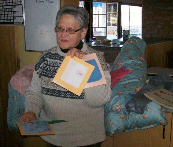 Rosalie Manley vertel van haar pragtige handewerk toe sy nog 'n skolier was.