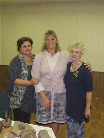 4 Mei Denise Bester(voorsitster), Henriette Kotze, Estelle du Plessis (Sirkel president)