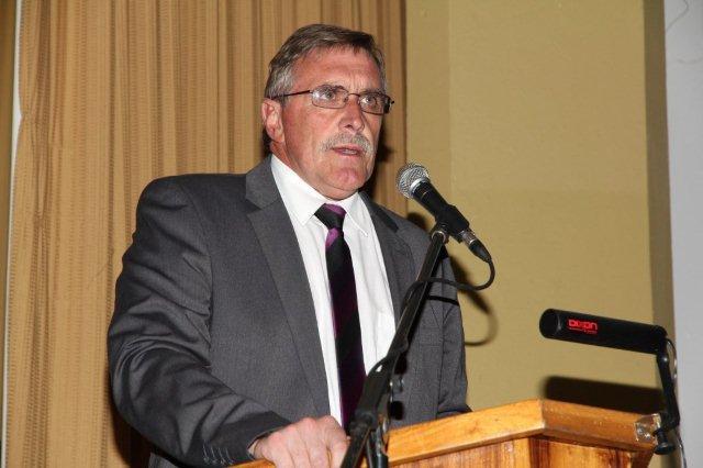 Mnr. André Latsky, Skoolhoof Hoër Landbouskool Oakdale.