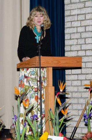 """Anneke Blaise, Redakteur van TUIS: """"Binnenshuise interieur - verskuif jou grense."""""""