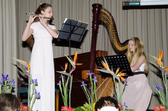 Instrumental: Karla Britz (flute), Lisa Britz (harp).